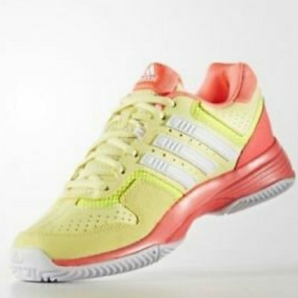 753d672fb77db New Adidas Women Barricade Court 2 Tennis Shoes